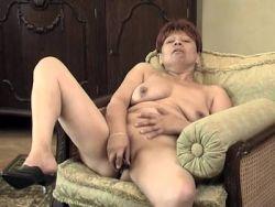 Oma Hardcore-Pornos Kleine, enge Pussy ficken